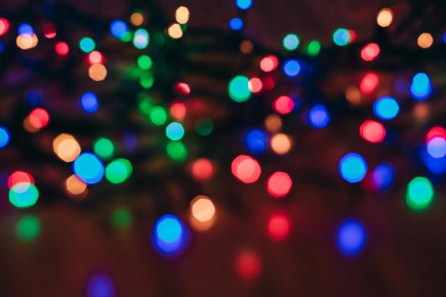 Sådan får du den flotteste julelys projektor - Laser julelys
