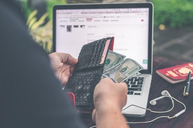 Lån penge akut - Kan man få udbetaling samme dag?